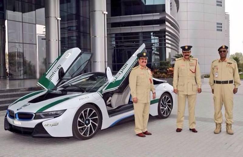 Policia Do Dubai Adopta Bmw I8 Auto Pt