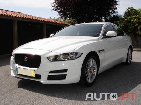 Jaguar XE 2.0D E-PERFORMANCE