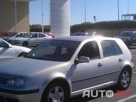Volkswagen Golf Confortline - 66.000 km