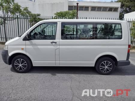 Volkswagen Transporter -T5 KOMBI