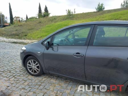 Toyota Auris 1.4D-4D AC