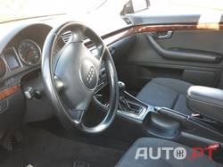 Audi A4 FM6EACR8E700