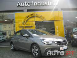 Opel Astra Edition com Pack Active