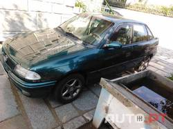 Opel Astra 000