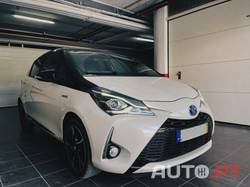 Toyota Yaris 1.5 HSD Square Collection White