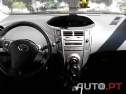 Toyota Yaris Comfort+Ar Condicionado