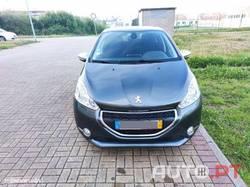 Peugeot 208 208 1.2 VTi SE Style