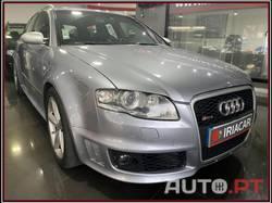 Audi A4 Avant RS 4 4.2 TFSI V8
