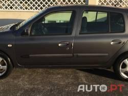 Renault Clio 2.1