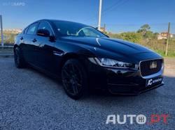 Jaguar XE PURE AUT